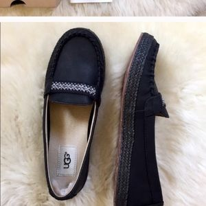 UGGs loafer new unused with box suede black